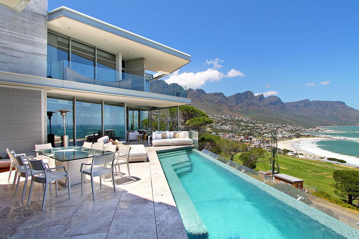 Luxus villa cape town luxury holiday villa clifton for Luxury house pictures