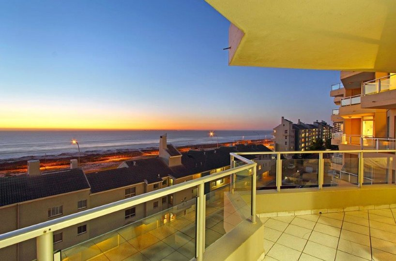 Nautica-501-Bloubergstrand-Accommodation