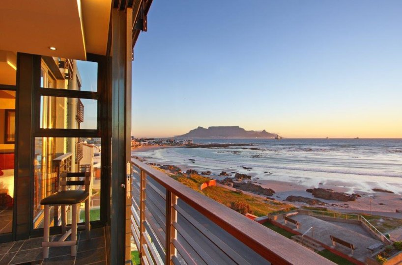Bloubergstrand Holiday Apartment