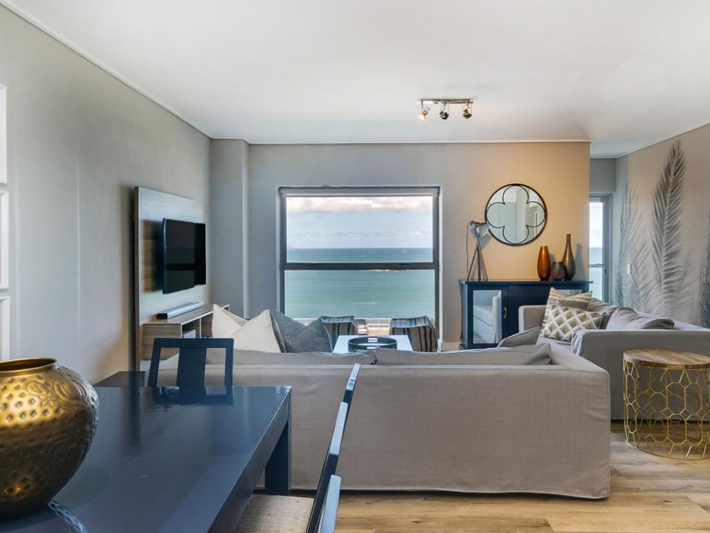 Awe Inspiring Dunmore Breeze Luxury Clifton Holiday Apartment Cape Interior Design Ideas Tzicisoteloinfo