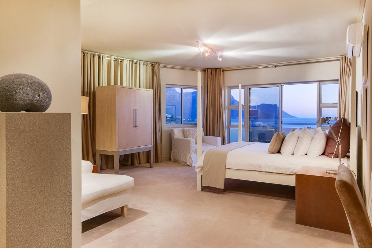 Pleasing Dunmore Views Clifton Holiday Accommodation Cape Town Interior Design Ideas Tzicisoteloinfo