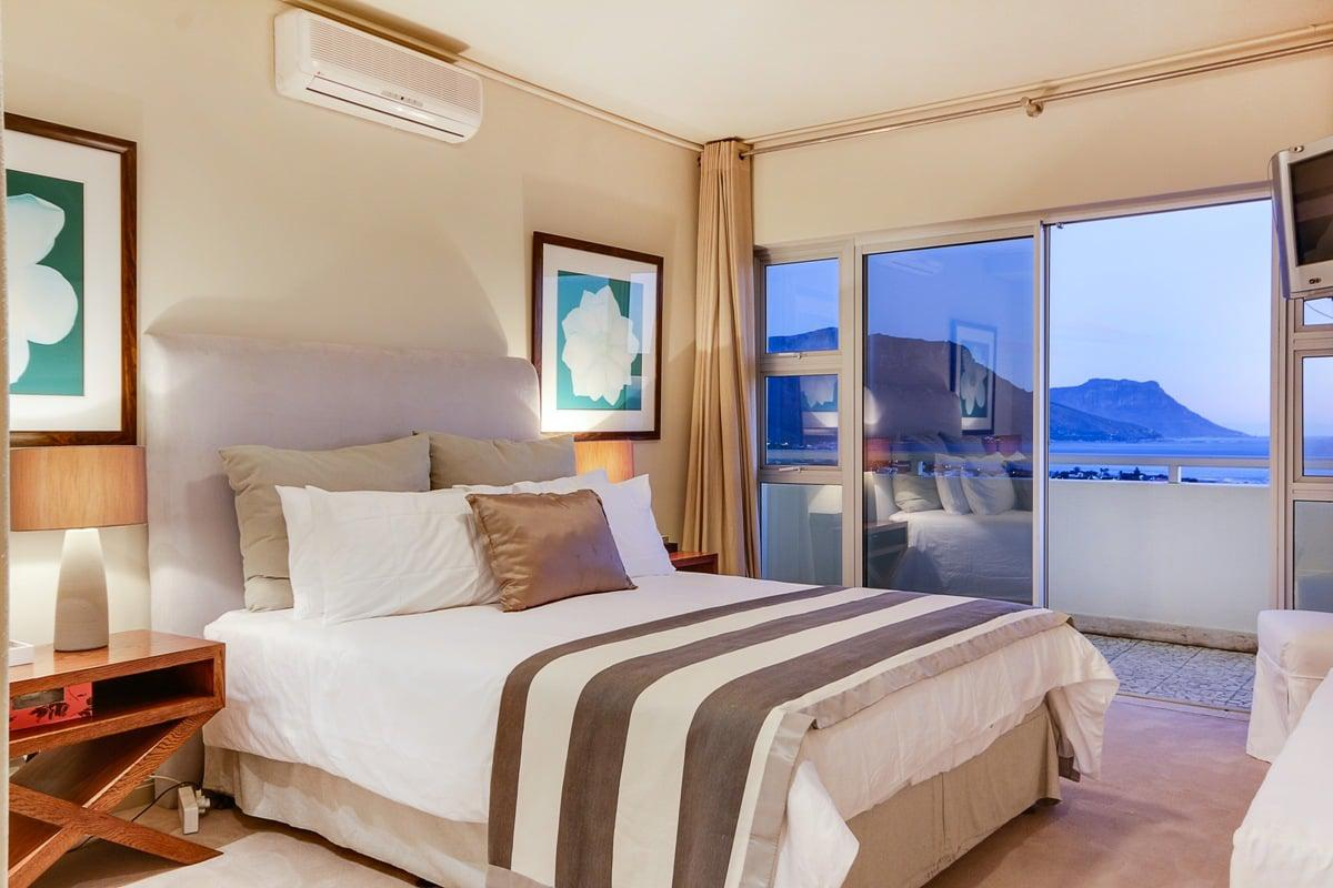 Awesome Dunmore Views Clifton Holiday Accommodation Cape Town Interior Design Ideas Tzicisoteloinfo