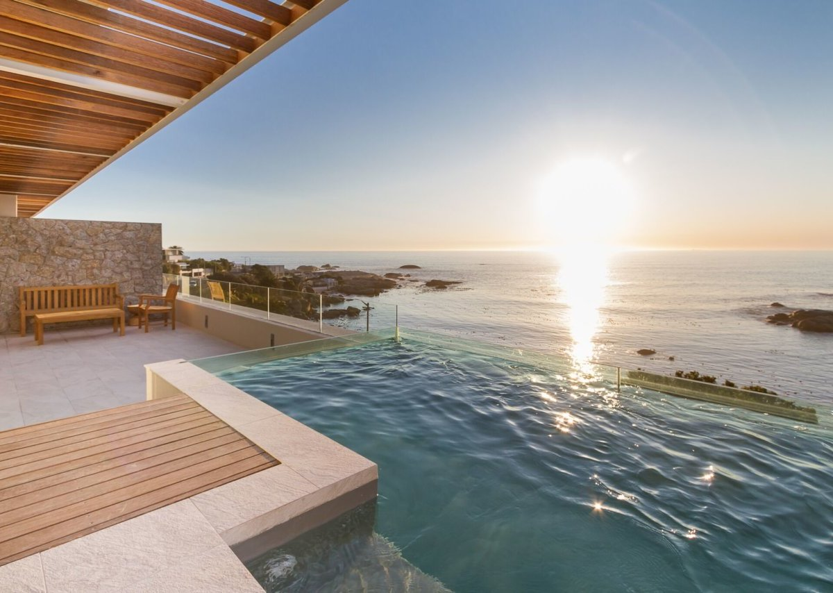 Rock Apartment Luxury Accommodation Camps Bay