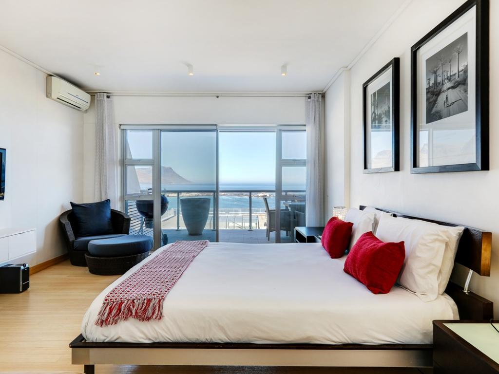 Excellent Dunmore Apartment Luxury Accommodation Clifton Cape Town Home Interior And Landscaping Mentranervesignezvosmurscom